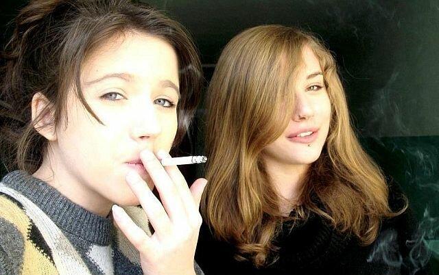 Сексуальная курильщица